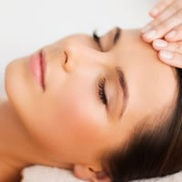 30 min Refresher Facial at Parklands